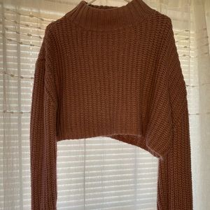 Crop Top Muave Sweater Size M.